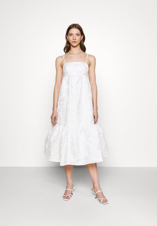 LIZETTE DRESS - Sukienka koktajlowa - offwhite