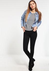 Levi's® - 710 INNOVATION SUPER SKINNY - Jeans Skinny Fit - night - 2
