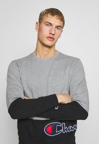 Champion - ROCHESTER CREWNECK BLOCK - Collegepaita - grey melange/black - 3