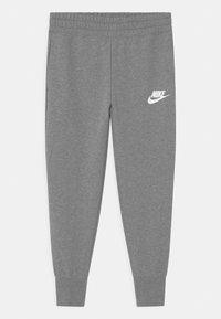 Nike Sportswear - CLUB - Träningsbyxor - carbon heather/white - 0
