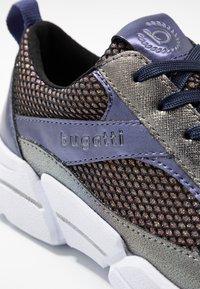 Bugatti - SHIGGY - Sneakers laag - dark grey/blue - 2
