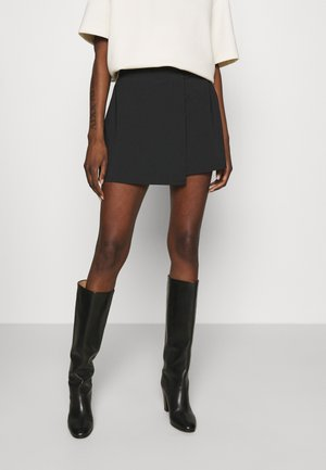 TRAVELER SKORT - Mini skirts  - black