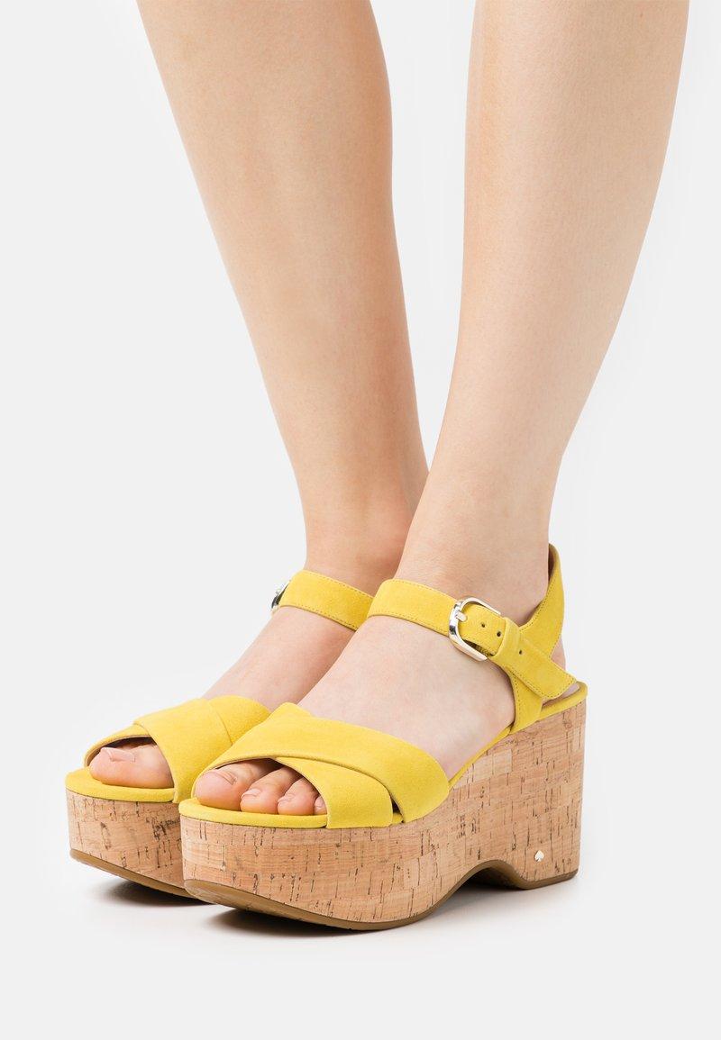 kate spade new york - JASPER - Sandales à plateforme - yellow