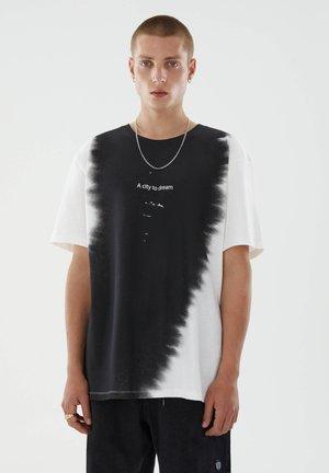 TIE-DYE - Print T-shirt - white