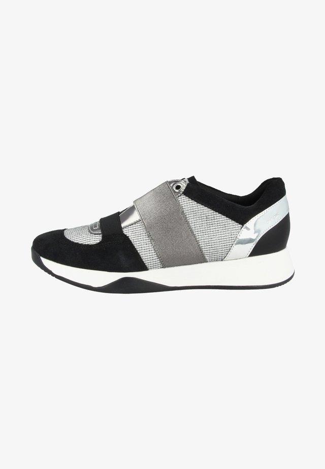 SCHUHE SUZZIE - Matalavartiset tennarit - light grey-black (d94frd0as22c0060)