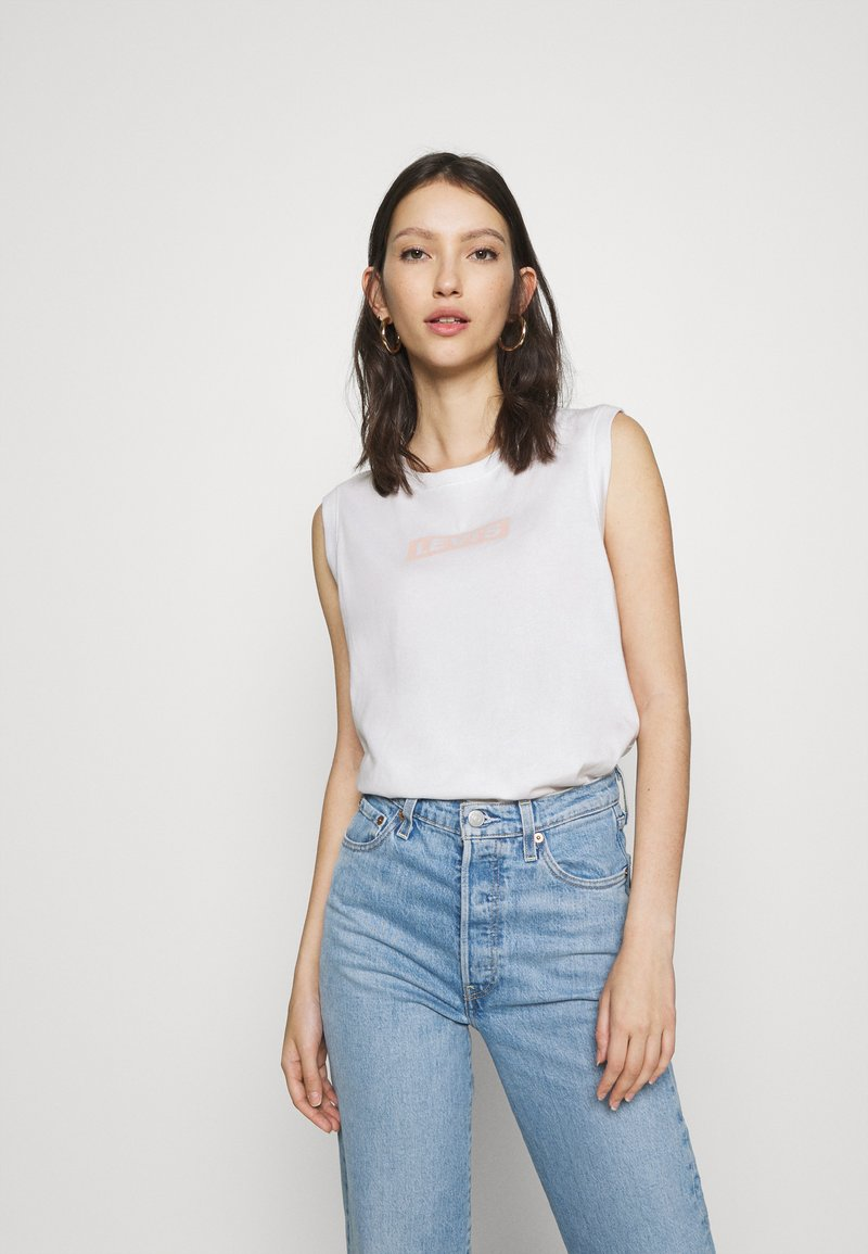 Levi's® - ON TOUR TANK  - T-shirt imprimé - white