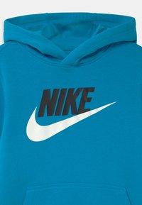 Nike Sportswear - CLUB - Bluza z kapturem - laser blue - 2