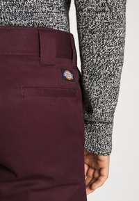 Dickies - 873 SLIM STRAIGHT WORK PANT - Pantalones - maroon - 3