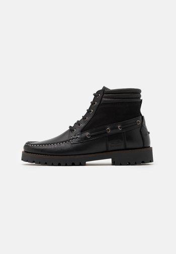 PORT - Šněrovací kotníkové boty - black