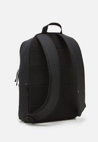 Nike Sportswear - HERITAGE UNISEX - Batoh - black/white - 1