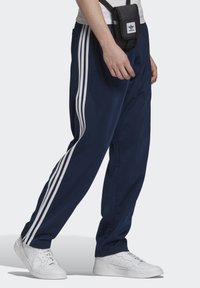 adidas Originals - FIREBIRD TRACKSUIT BOTTOMS - Träningsbyxor - blue - 3