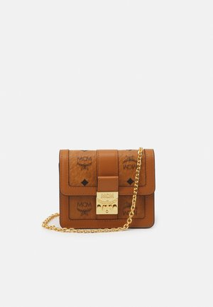 TRACY VISETOS FLAP WALLET TWO FOLD MINI - Lommebok - cognac
