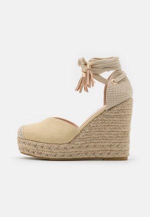 DORIAN - Sandaler med høye hæler - nude