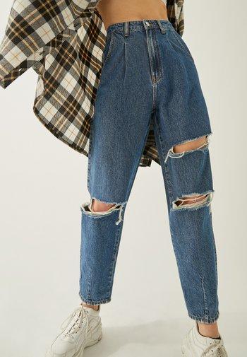 SLOUCHY - Slim fit jeans - blu