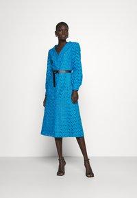 MICHAEL Michael Kors - EYELT KATE DRESS - Day dress - cyan blu - 0