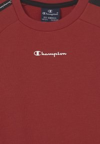 Champion - LEGACY AMERICAN CREWNECK UNISEX - Sweatshirt - red - 2