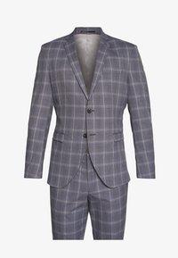 Suit - light blue/black/white/blue