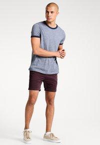 Pier One - Shorts - bordeaux - 1