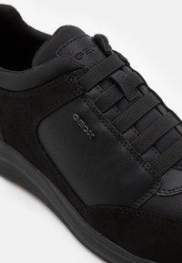 Geox - DAMIANO - Nazouvací boty - black - 5