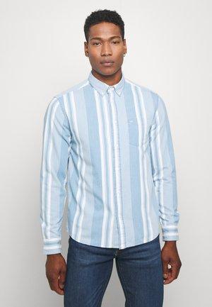 BUTTON DOWN SHIRT - Skjorta - light indigo