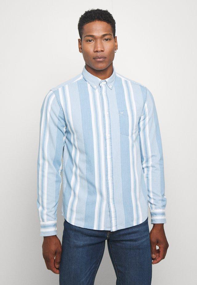 DOWN SHIRT - Camisa - light indigo
