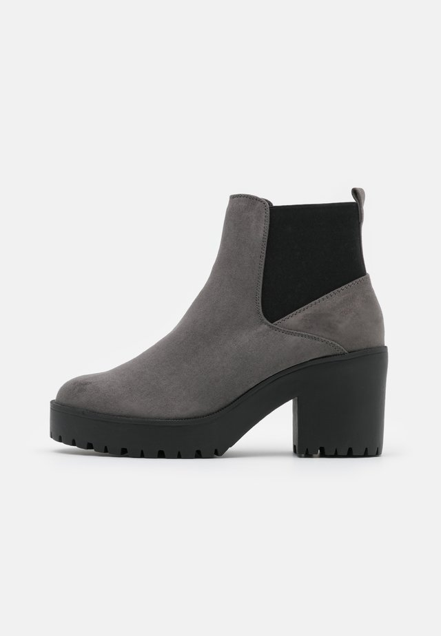 CYBIL CHELSEA CHUNKY - Platform ankle boots - mid grey
