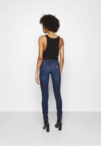 Guess - MARILYN 3 ZIP - Jeans Skinny Fit - camden - 2