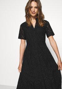 YAS - YASHOLI LONG  SHIRT DRESS  - Robe longue - black - 3