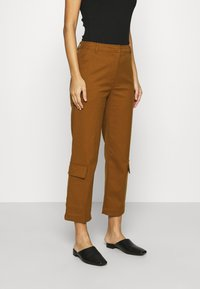Who What Wear - TROUSER - Trousers - brown - 0