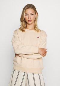 Levi's® - STANDARD CREW - Sweater - toasted almond - 0