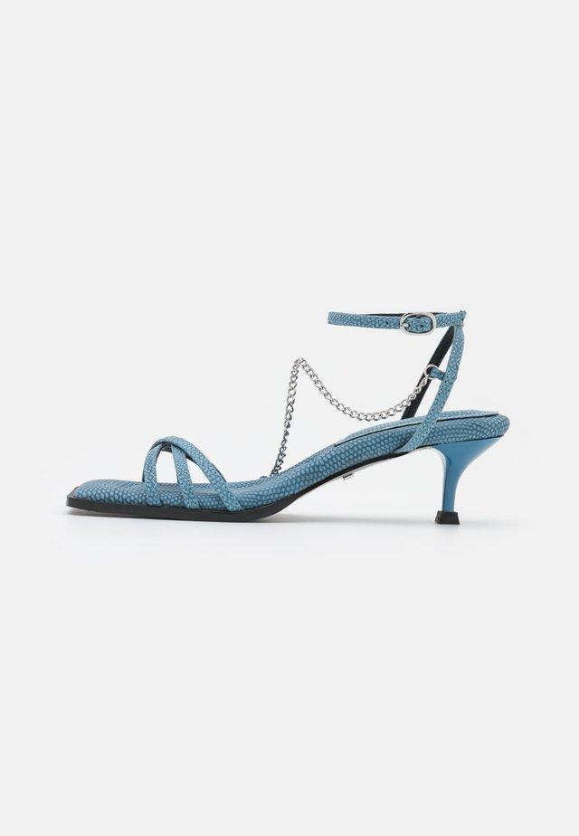 NIMBLE LOW CHAIN  - Sandalias - blue