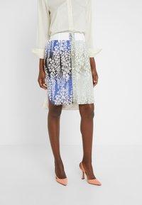 Strenesse - SKIRT - Pencil skirt - multi-coloured - 0