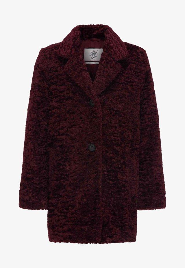 Zimní kabát - zinfandel