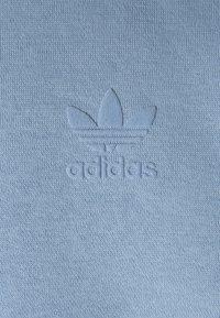 adidas Originals - TREF UNISEX - Luvtröja - ambient sky - 2