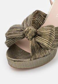 Loeffler Randall - NATALIA - Sandály na vysokém podpatku - gold lame - 6