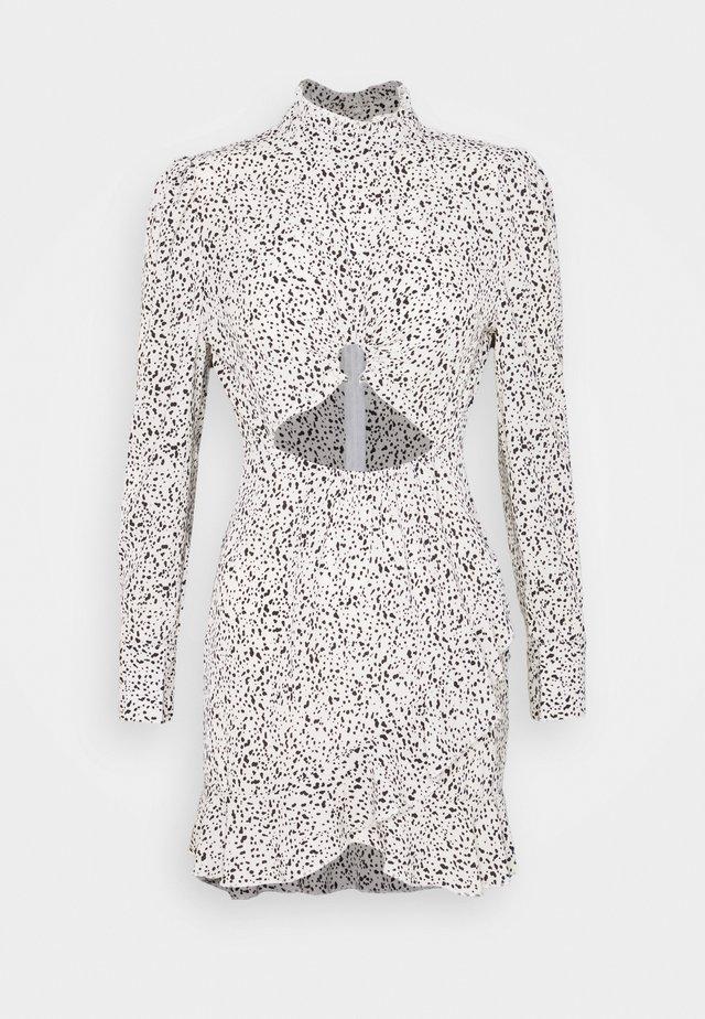DALMATIAN HIGH NECK CUTOUT MINI DRESS - Etuikjole - white