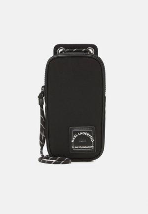 PHONE POUCH UNISEX - Kännykkäpussi - black