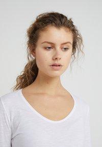DRYKORN - ALESA - Long sleeved top - white - 4
