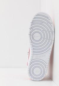 Nike Sportswear - COURT BOROUGH MID UNISEX - High-top trainers - university red/white/black - 5