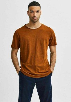 SLHMORGAN O-NECK TEE - T-shirt - bas - monks robe