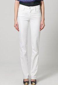 MAC Jeans - DREAM - Straight leg jeans - weiß - 0