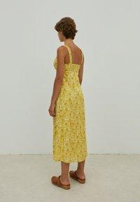 EDITED - SHILOH - Maxi dress - gelb - 4
