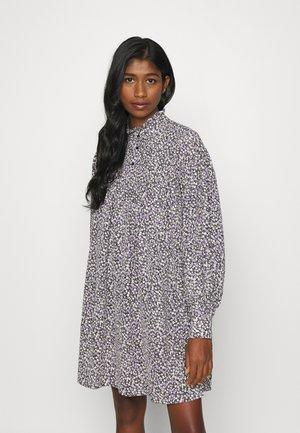 VMVILDA SHORT FLOWER DRESS  - Shirt dress - black/purple