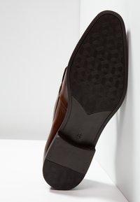 KIOMI - Smart slip-ons - cognac - 4