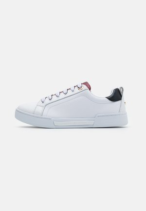 BRANDED OUTSOLE  - Trainers - white