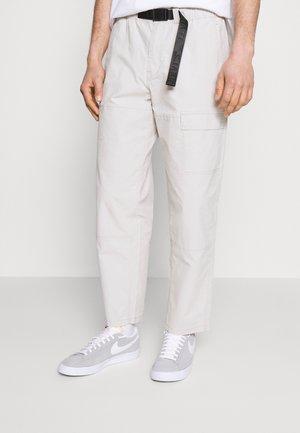 FIELD PANT - Pantalon classique - pumice stone