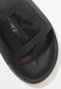 Calvin Klein Jeans - VINCENZO - Pool slides - black - 5