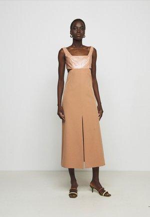 Cocktail dress / Party dress - tannin