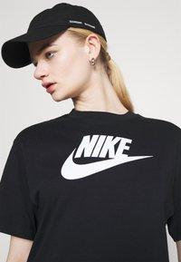 Nike Sportswear - DRESS FUTURA - Vestido ligero - black - 3