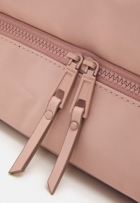ALDO - PILINI - Weekend bag - adobe rose - 3